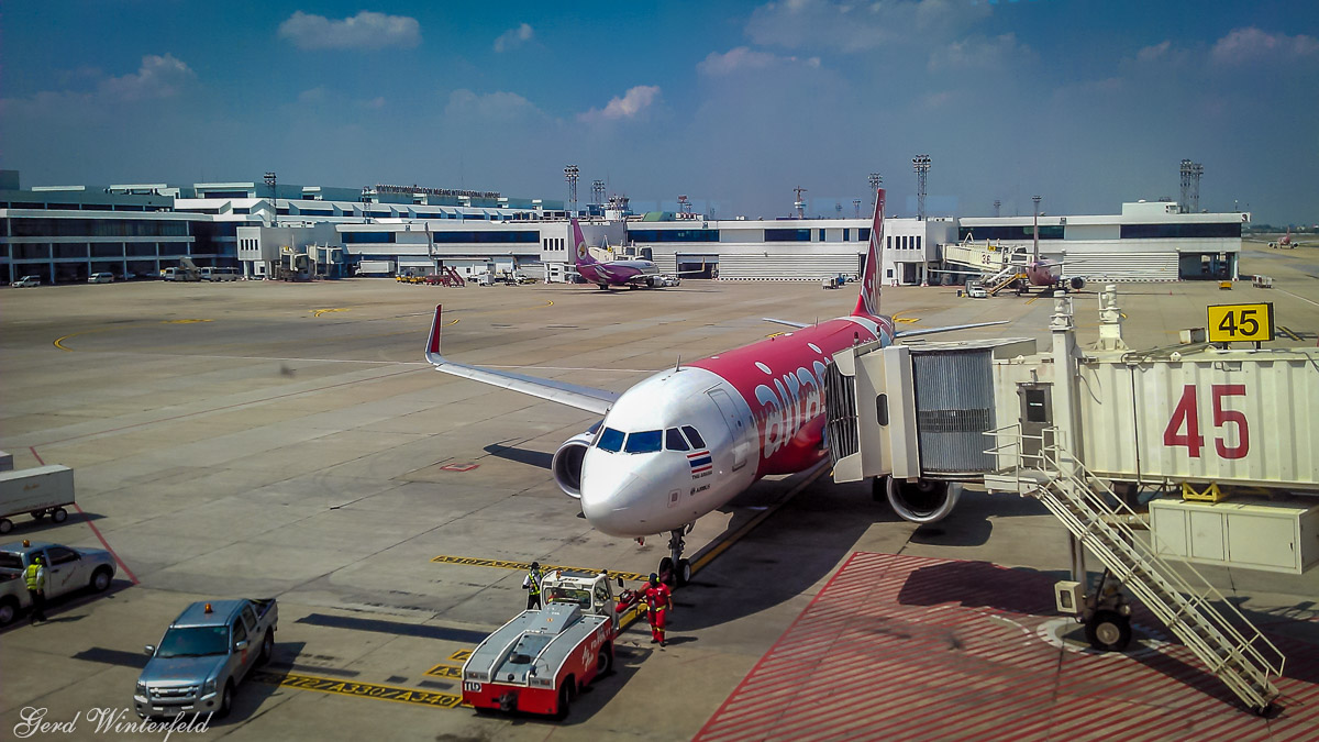 Airlines in Thailand | Air Asia at Bangkok Don Muang Airport
