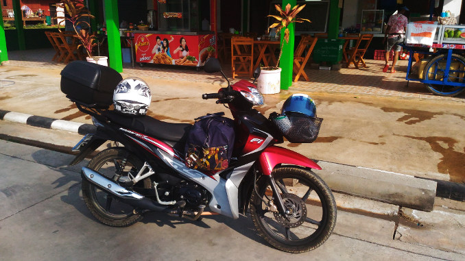 With my Honda Wave on Tour to Koh Samui